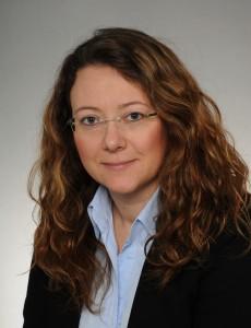 Débora B. Maehler